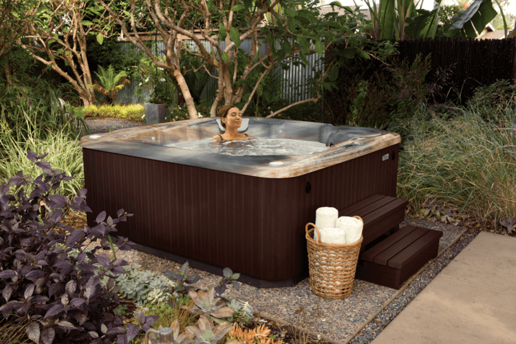 These Smashing Backyard Ideas Are Hot And Happening: Outdoor Hot Tub Landscaping Ideas To Integrate Your Home